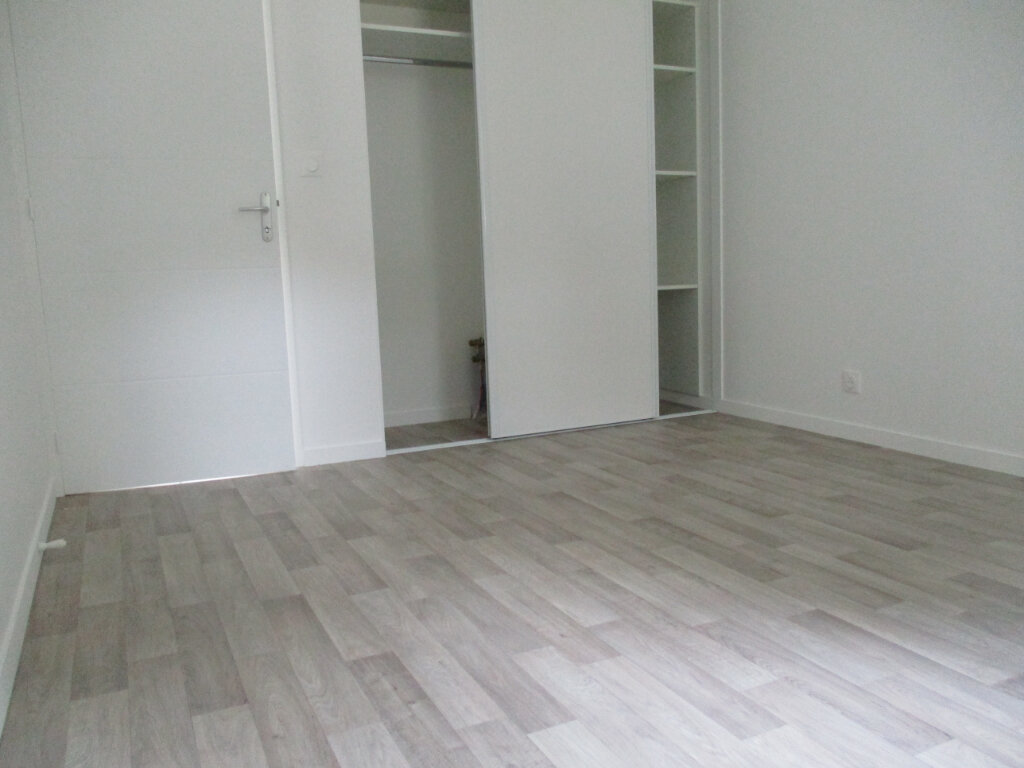 Maison à louer 4 94m2 à Saint-Molf vignette-5