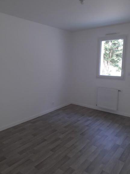 Maison à louer 4 94m2 à Saint-Molf vignette-8