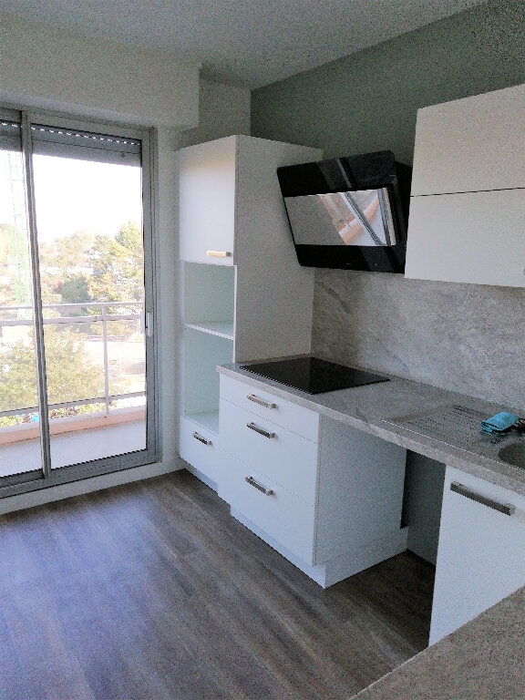 Appartement à louer 4 88m2 à Saint-Nazaire vignette-1