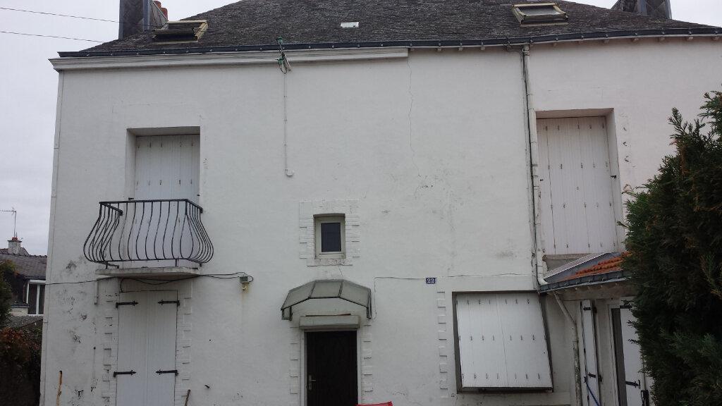 Immeuble à vendre 0 180m2 à Saint-Nazaire vignette-1