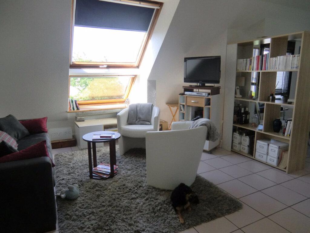 Appartement à louer 2 35m2 à Larmor-Baden vignette-1