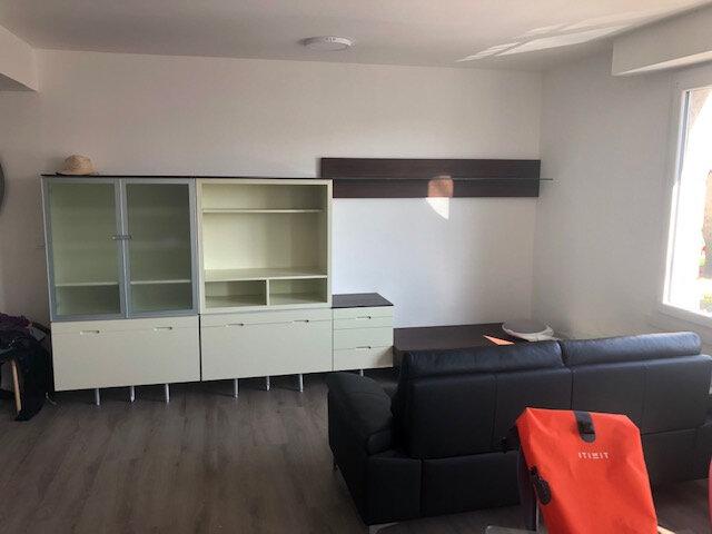 Appartement à louer 4 67m2 à Larmor-Baden vignette-1