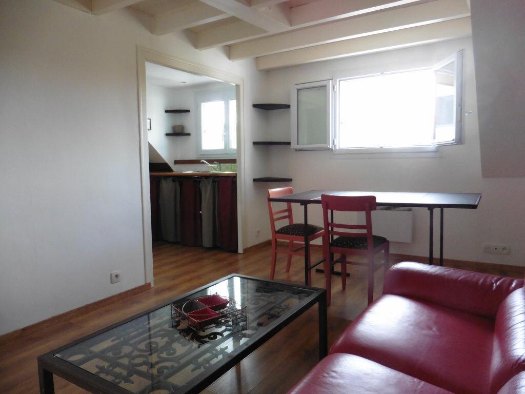 Appartement à louer 2 27m2 à Auray vignette-1