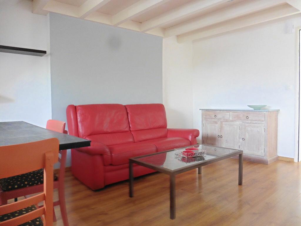 Appartement à louer 2 27m2 à Auray vignette-2