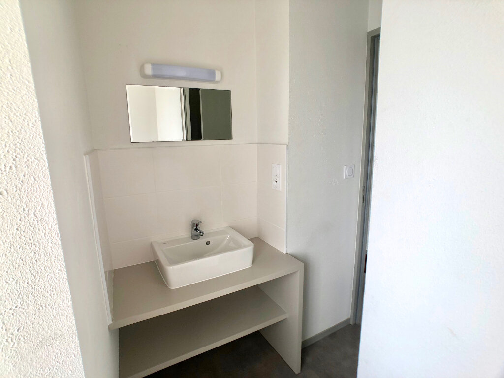 Appartement à louer 1 24m2 à Auray vignette-3