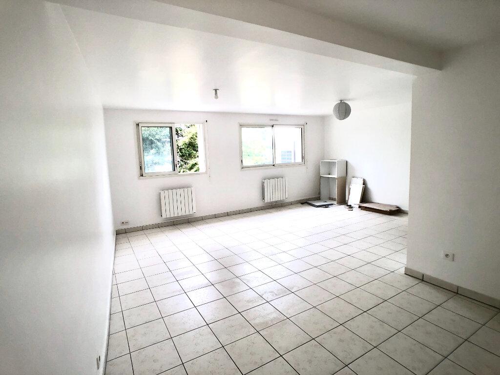Appartement à louer 2 67.04m2 à Auray vignette-2