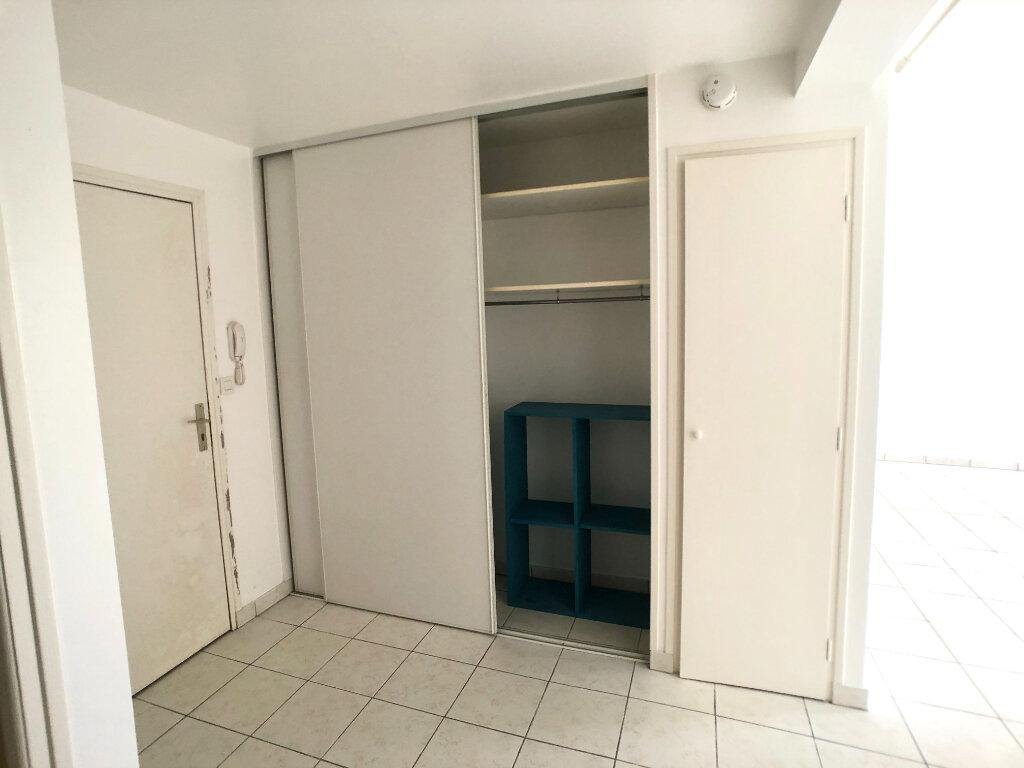 Appartement à louer 2 67.04m2 à Auray vignette-5