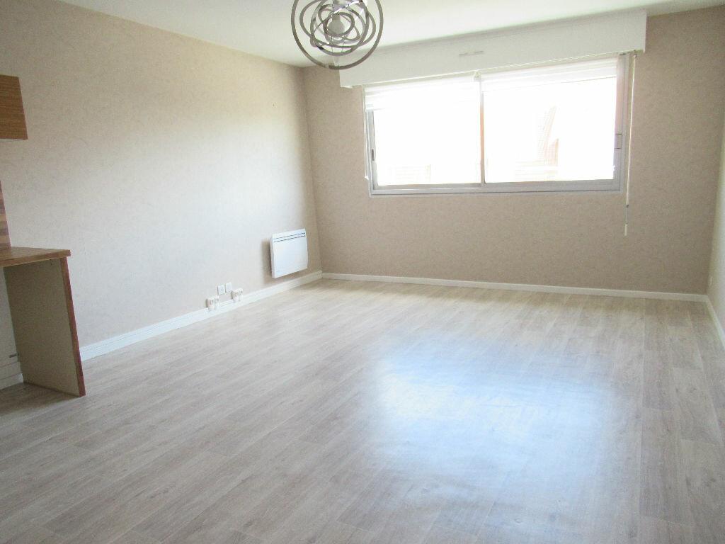 Appartement à louer 2 41.95m2 à Cucq vignette-5