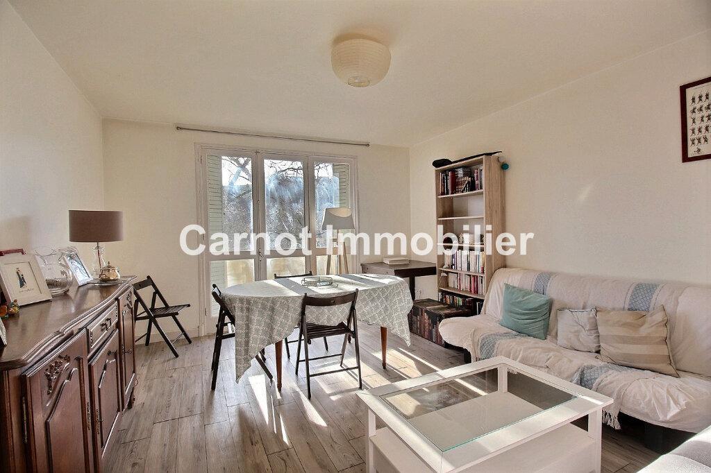 Appartement à louer 3 66.32m2 à Castres vignette-1