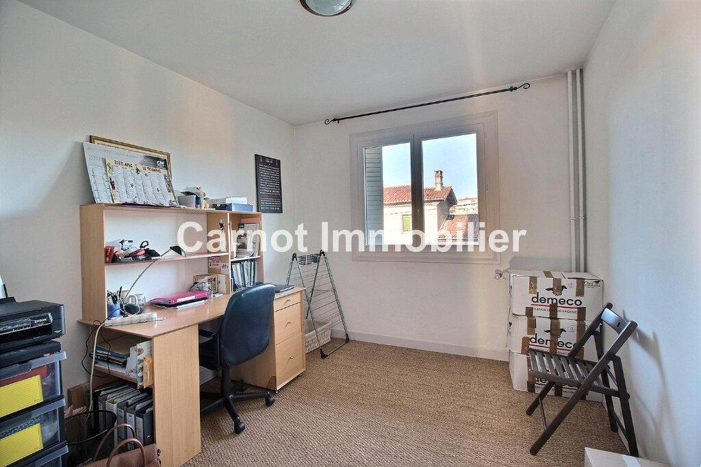 Appartement à louer 3 66.32m2 à Castres vignette-7
