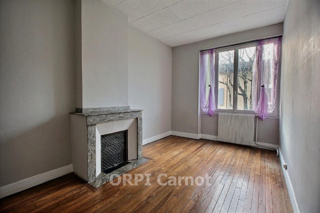 Appartement à louer 5 122.7m2 à Castres vignette-1