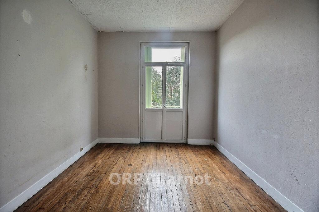 Appartement à louer 5 122.7m2 à Castres vignette-6