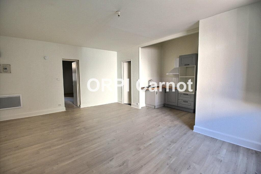 Appartement à louer 2 62.8m2 à Castres vignette-1