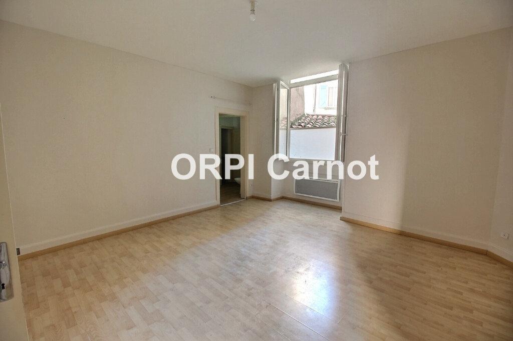 Appartement à louer 2 62.8m2 à Castres vignette-2