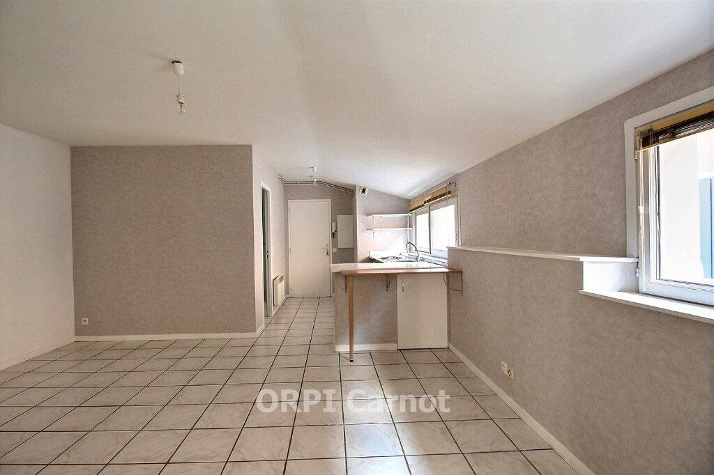 Appartement à louer 2 46.38m2 à Castres vignette-1