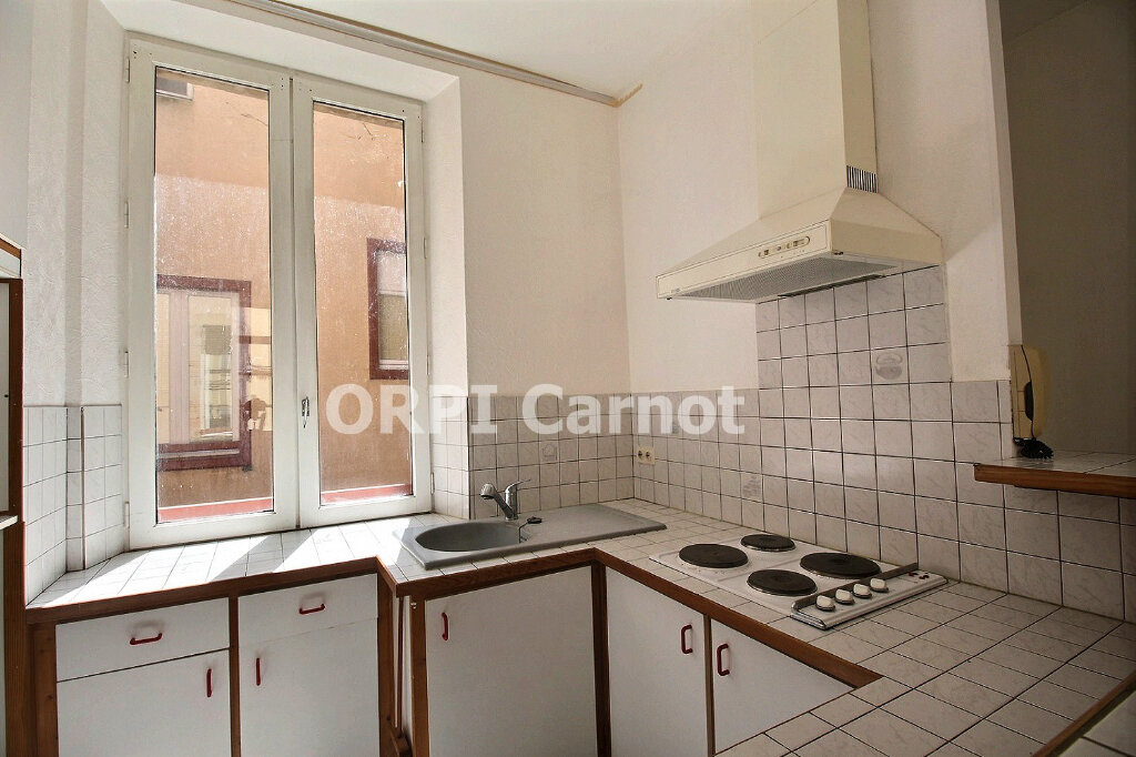 Appartement à louer 2 46.3m2 à Castres vignette-1