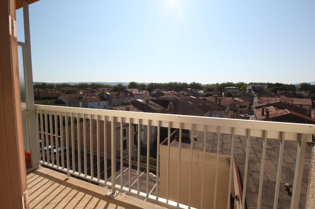 Appartement à louer 1 18m2 à Castres vignette-4
