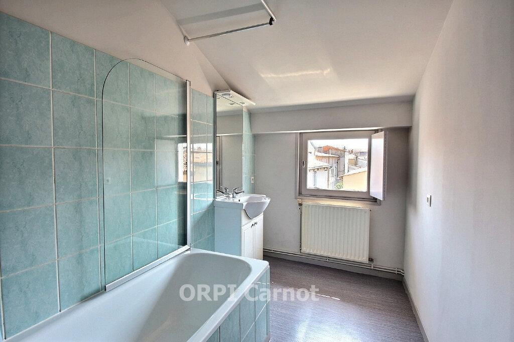 Appartement à louer 4 91m2 à Castres vignette-5