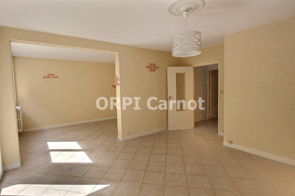Appartement à louer 3 73m2 à Castres vignette-3