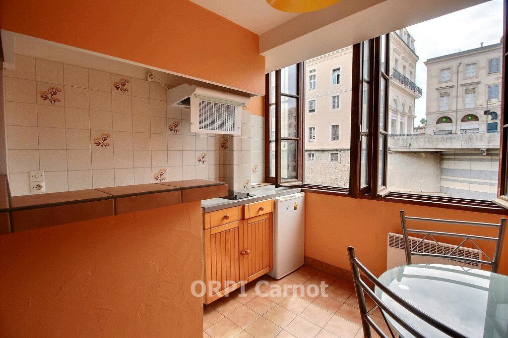 Appartement à louer 1 26m2 à Castres vignette-3