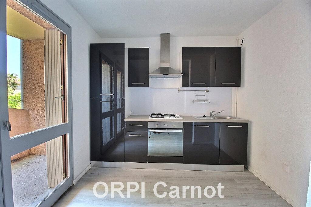 Appartement à louer 1 31.98m2 à Castres vignette-1