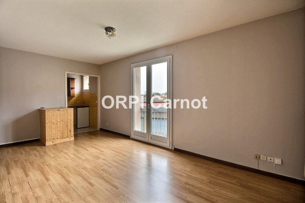 Appartement à louer 2 35m2 à Castres vignette-1