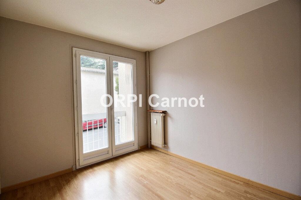Appartement à louer 2 35m2 à Castres vignette-2