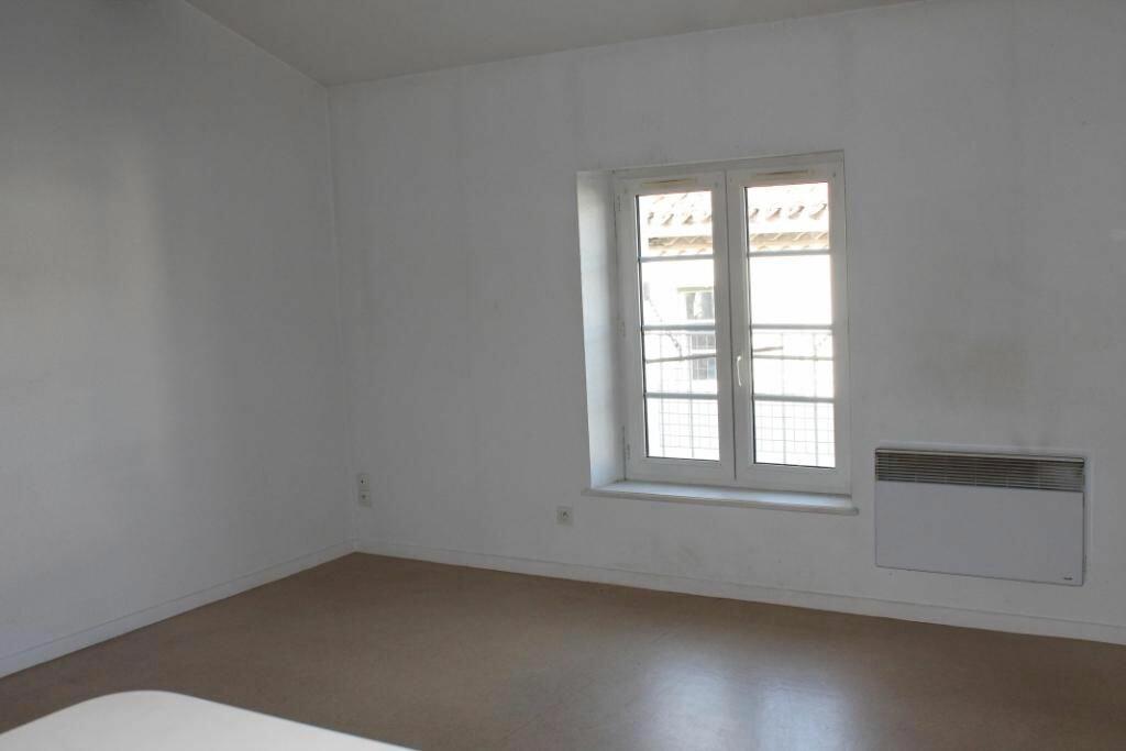 Appartement à louer 1 34m2 à Castres vignette-4