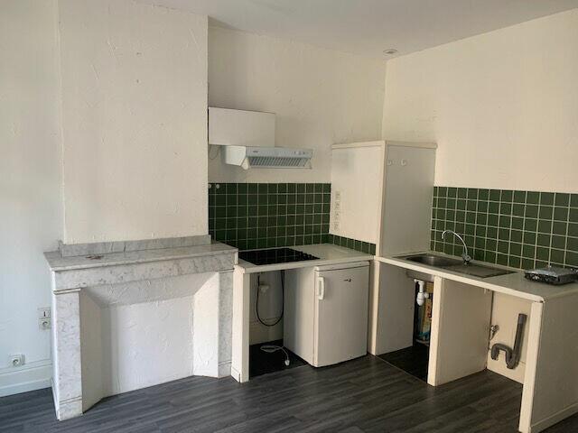 Appartement à louer 2 52m2 à Mazamet vignette-3