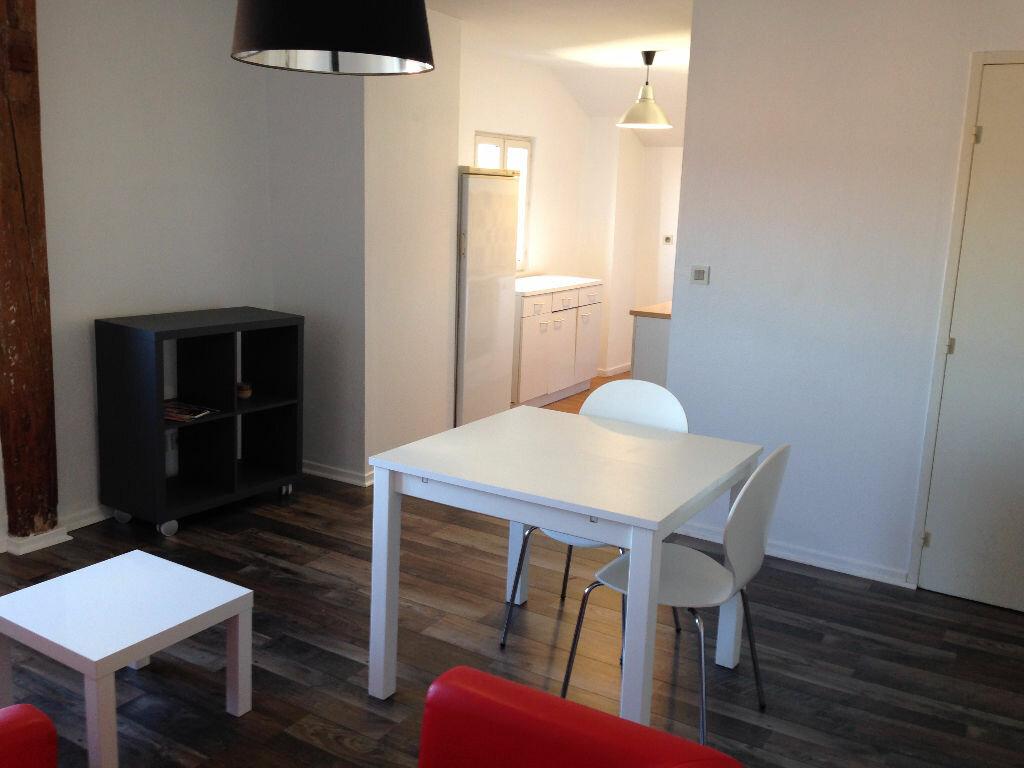 Appartement à louer 2 45m2 à Castres vignette-1