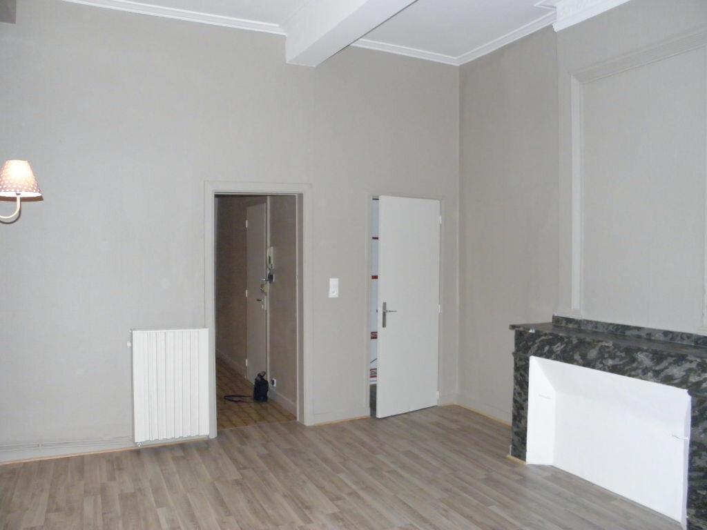Appartement à louer 3 52m2 à Castres vignette-1