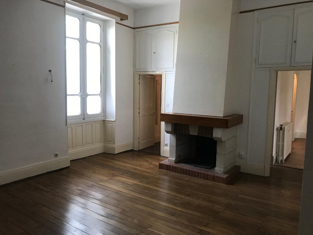 Appartement à louer 4 107m2 à Castres vignette-1