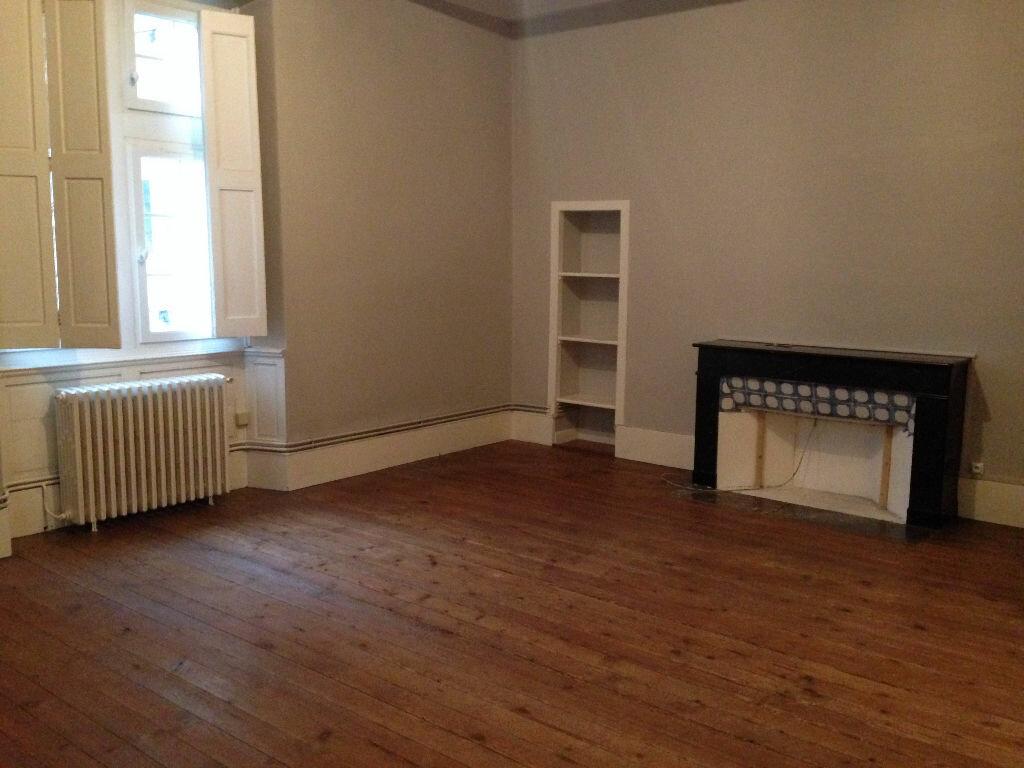 Appartement à louer 4 103m2 à Castres vignette-2