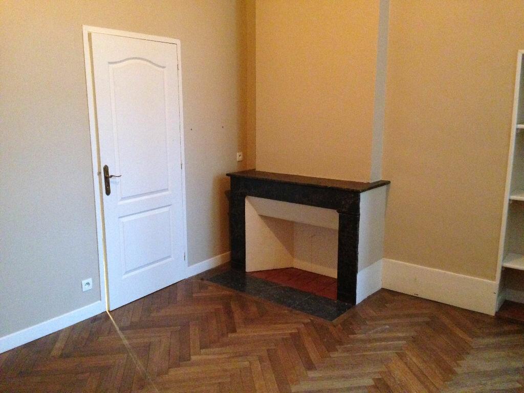 Appartement à louer 4 103m2 à Castres vignette-5