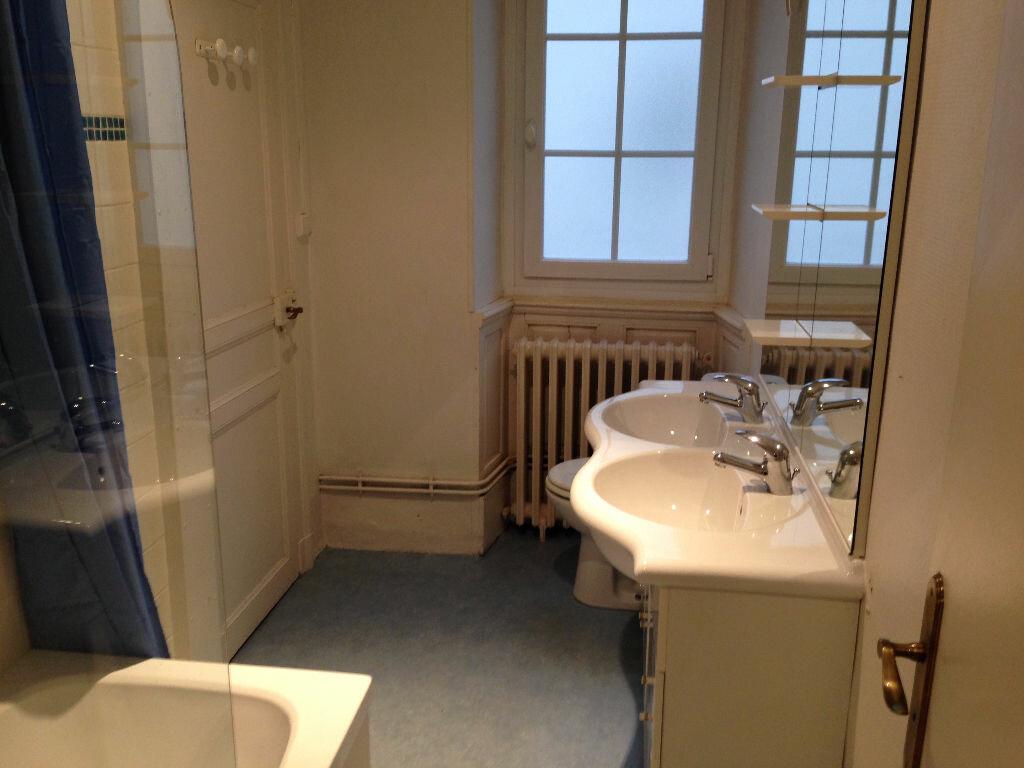 Appartement à louer 4 103m2 à Castres vignette-7