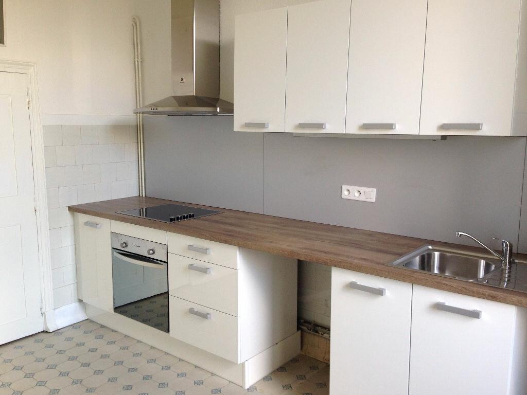 Appartement à louer 4 90m2 à Castres vignette-1