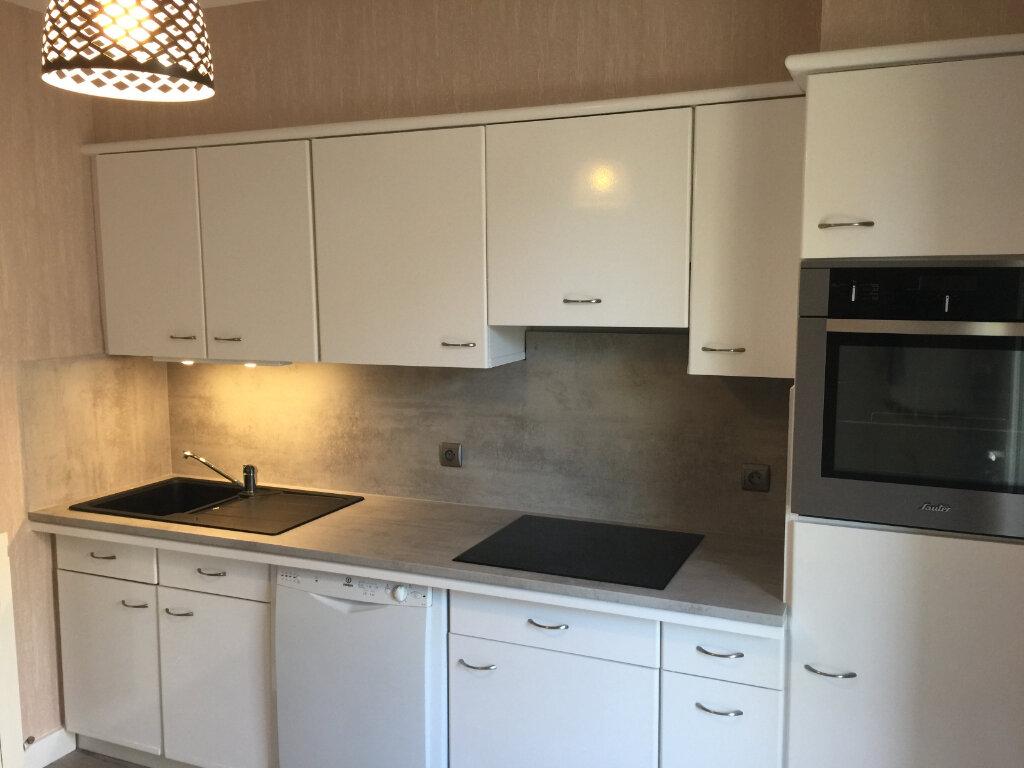 Appartement à louer 5 93m2 à Castres vignette-1