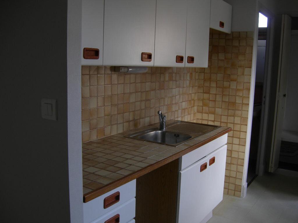 Appartement à louer 1 35m2 à Lautrec vignette-2
