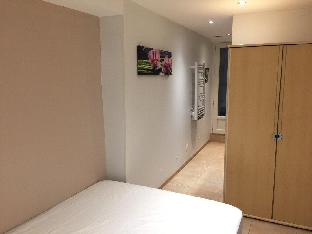 Appartement à louer 2 27m2 à Castres vignette-2