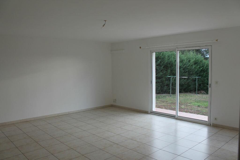 Maison à louer 5 93m2 à Saïx vignette-2