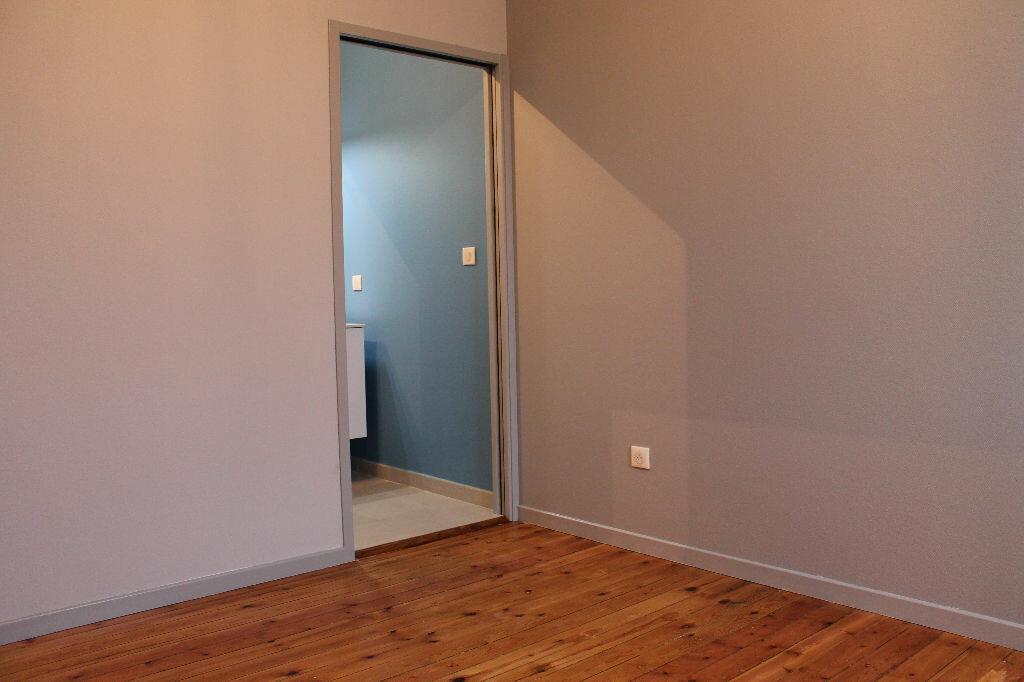 Appartement à louer 2 28m2 à Castres vignette-3