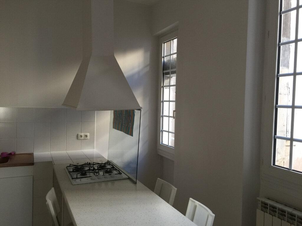 Appartement à louer 4 140m2 à Castres vignette-1