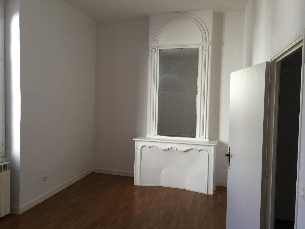Appartement à louer 4 140m2 à Castres vignette-2