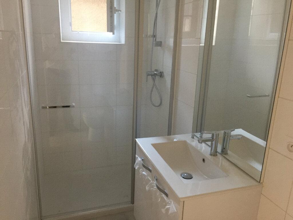 Appartement à louer 2 40m2 à Castres vignette-2