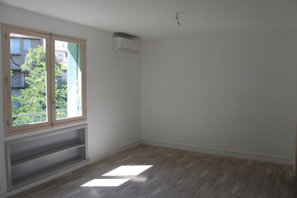 Appartement à louer 2 49m2 à Castres vignette-3
