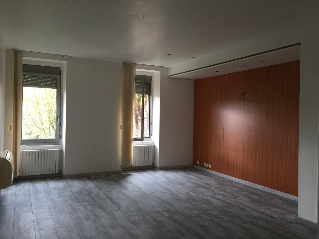 Appartement à louer 3 94m2 à Castres vignette-1