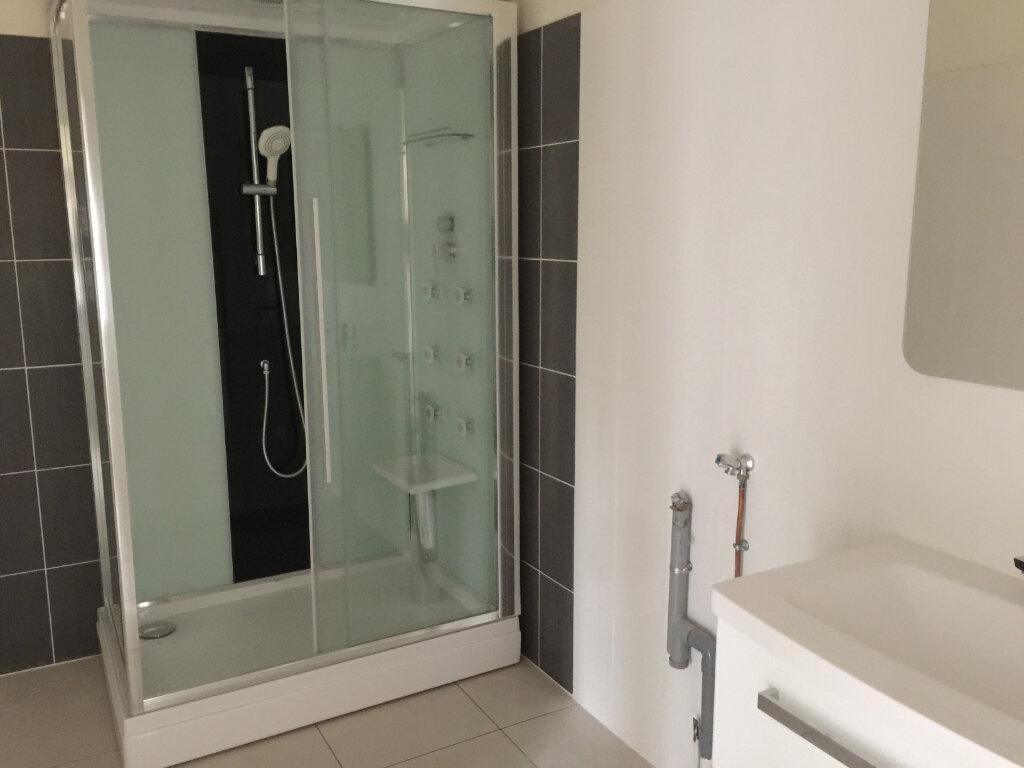 Appartement à louer 3 94m2 à Castres vignette-4