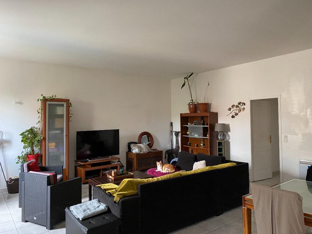 Appartement à louer 4 110m2 à Castres vignette-1