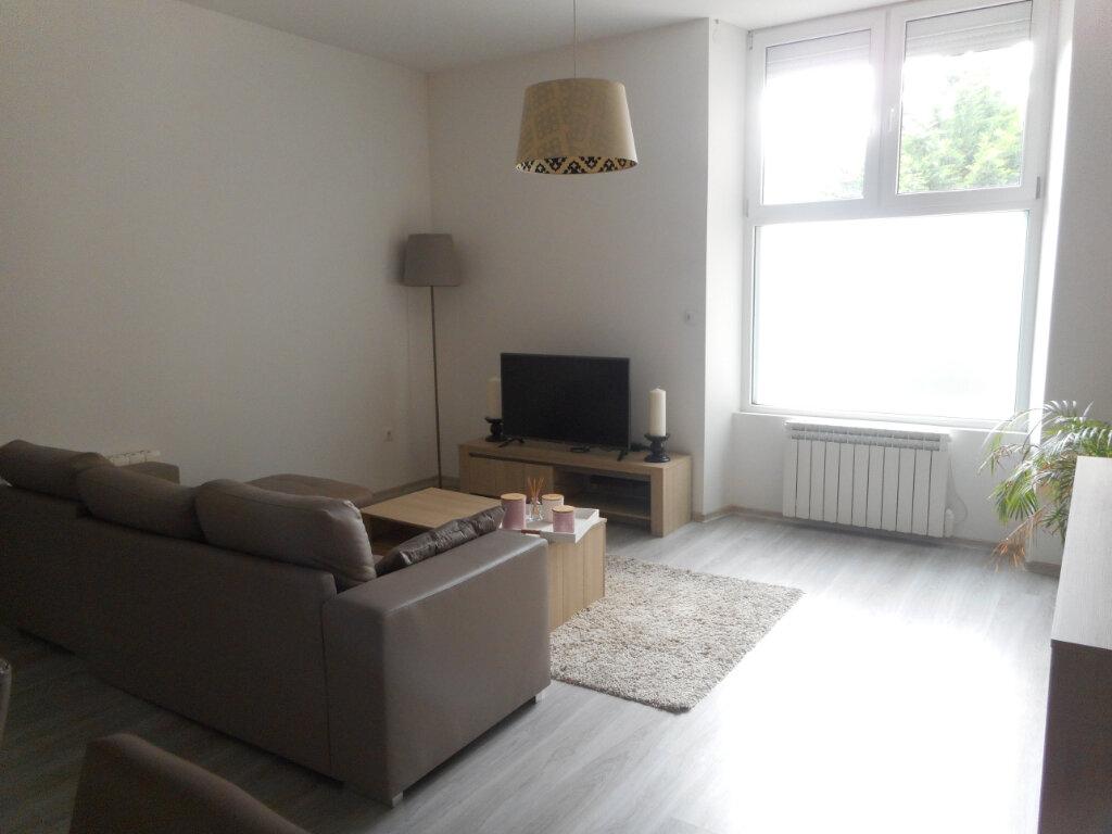 Appartement à louer 3 67m2 à Mazamet vignette-2
