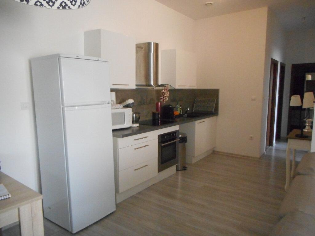 Appartement à louer 3 67m2 à Mazamet vignette-3